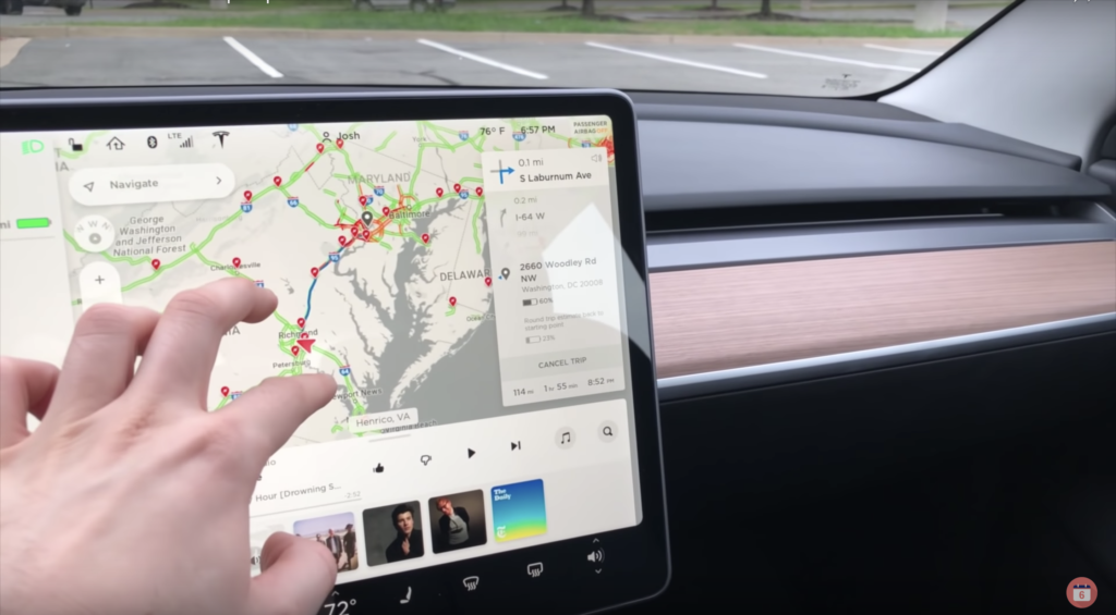Tesla Model 3 live traffic view with supercharging stations